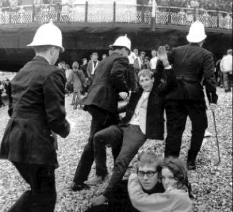 MODS V ROCKERS – Traditional English Seaside entertainment Underground England Blog