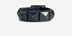 UNDERGROUND WRISTBAND – BLACK LEATHER – 1 ROW BLACK PYRAMID STUDS ACCESSORIES FOR MEN AND WOMEN