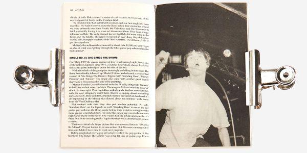 UNDERGROUND ENGLAND BOOKS THE STONE ROSES BY JOHN ROBB