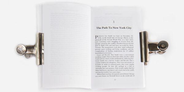 UNDERGROUND ENGLAND BOOKS PATTI SMITH: A BIOGRAPHY BY NICK JOHNSTONE