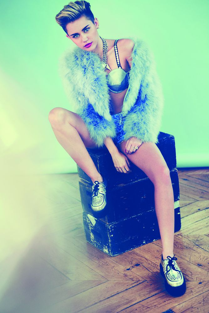 Miley Cyrus wearing Creepers Underground blog - Which bands and musicians wear Creepers?