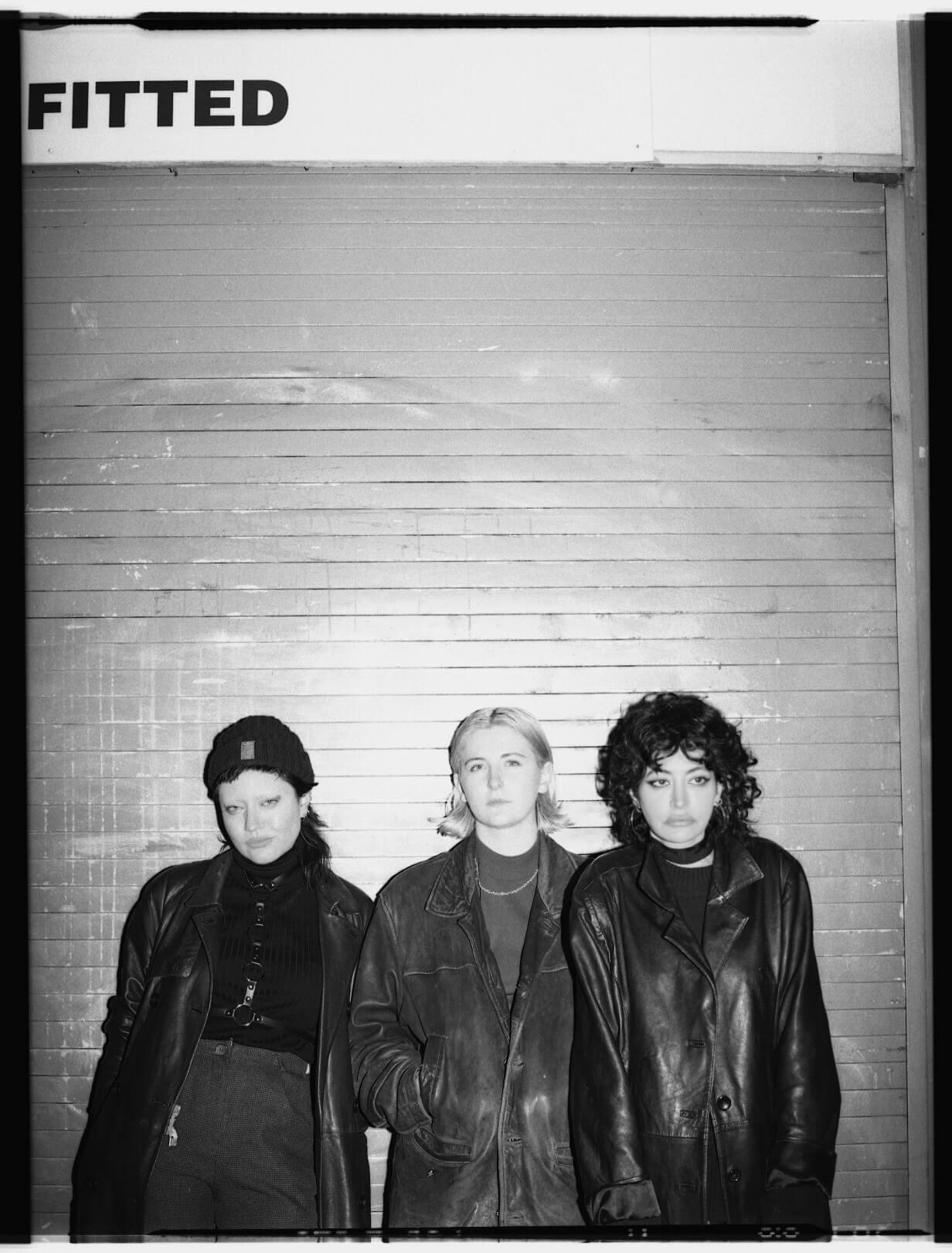 Deep Tan band photo - Underground blog